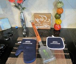 SEATTLE SEAHAWKS GRILL BRUSH AND OVEN MITT AND POT HOLDER SE
